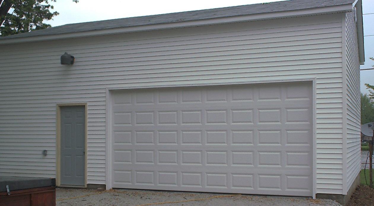 SAVE Hundreds if not Thousands on 24' Garage Door  id=50307